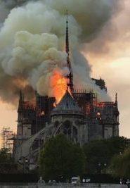 Qui a mis le feu à Notre-Dame de Paris